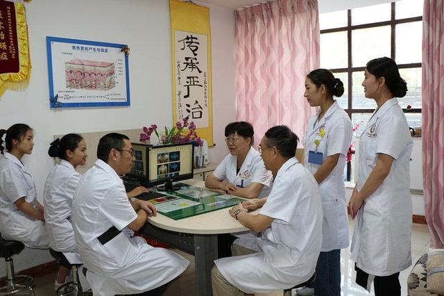 昆明白癜风医院:喜迎国庆,健康过节,三大名医联合会诊
